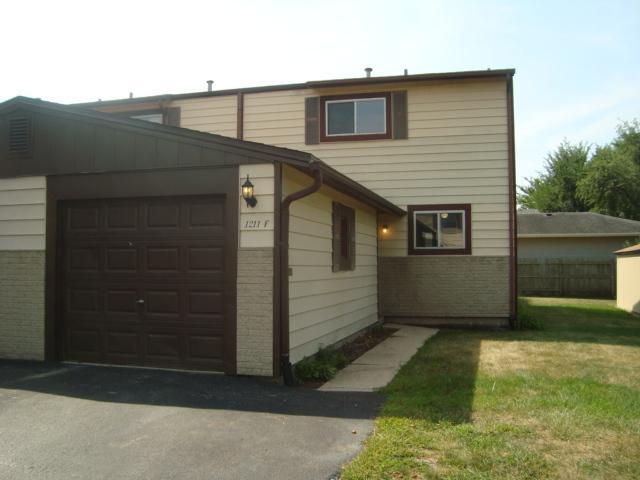 1211 Cedarwood Drive F, Crest Hill, IL 60403 (MLS #10041739) :: Littlefield Group