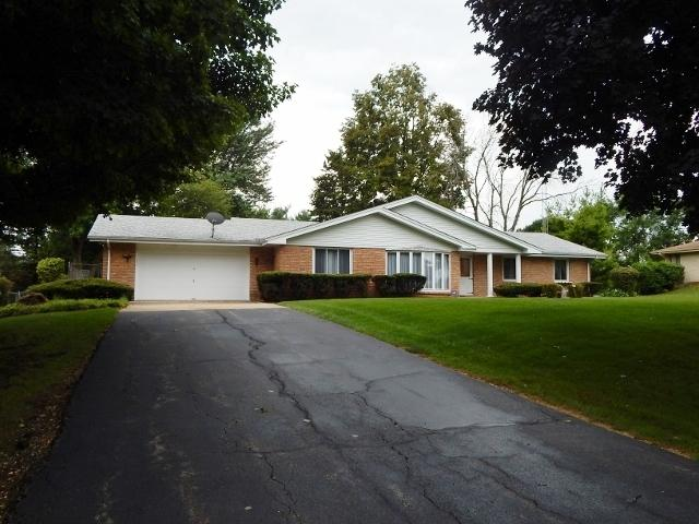 245 Willow Drive, Belvidere, IL 61008 (MLS #10043838) :: Littlefield Group