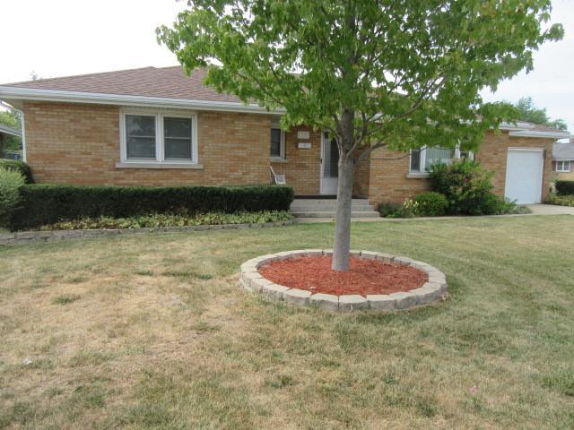 411 Fairview Avenue, Bradley, IL 60915 (MLS #10043946) :: Littlefield Group