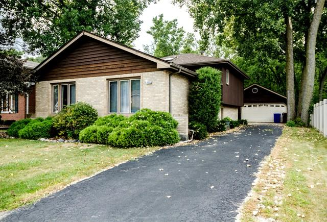 3224 Deer Path Lane, South Chicago Heights, IL 60411 (MLS #10044337) :: The Spaniak Team