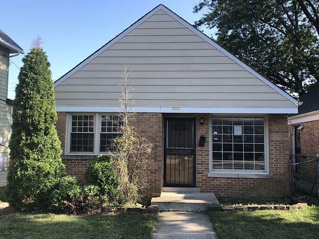 3012 Madison Street, Bellwood, IL 60104 (MLS #10044672) :: Domain Realty