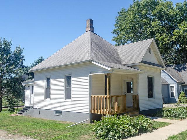 613 E Center Street, MONTICELLO, IL 61856 (MLS #10045000) :: Ryan Dallas Real Estate