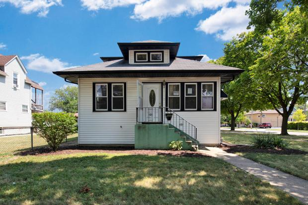 1403 N 18th Avenue, Melrose Park, IL 60160 (MLS #10046258) :: Domain Realty