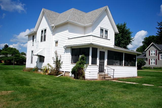 606 N 1st Street, Ashton, IL 61006 (MLS #10046439) :: Littlefield Group