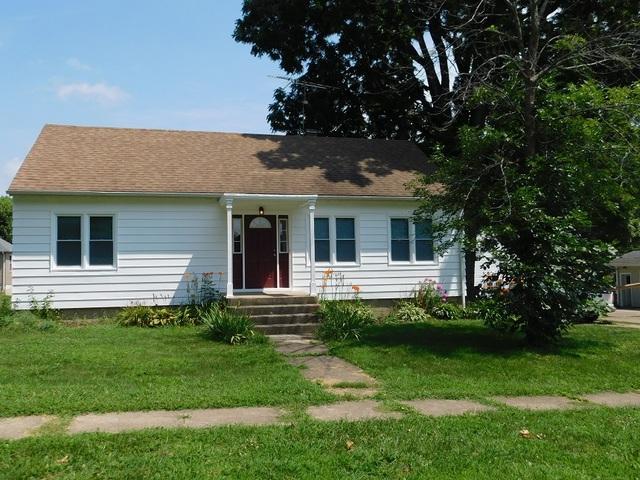 806 Evans Avenue, Ashton, IL 61006 (MLS #10047709) :: Littlefield Group