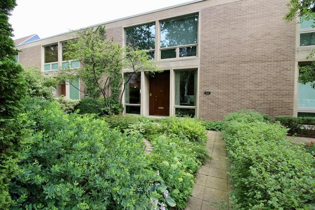 5629 S Blackstone Avenue, Chicago, IL 60637 (MLS #10048528) :: Littlefield Group