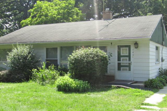 180 Oakwood Drive, Wood Dale, IL 60191 (MLS #10049052) :: Domain Realty