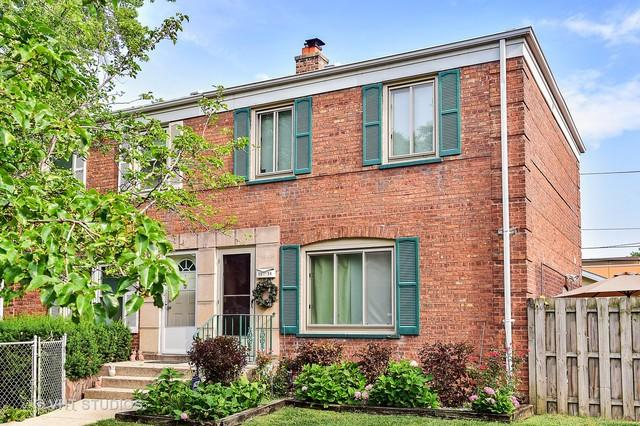 5224 W 63rd Place E, Chicago, IL 60638 (MLS #10049090) :: Littlefield Group