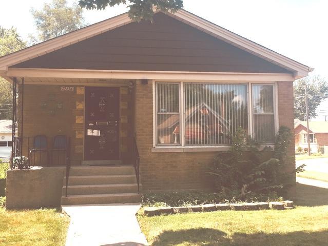 12134 Maple Avenue, Blue Island, IL 60406 (MLS #10049107) :: Domain Realty