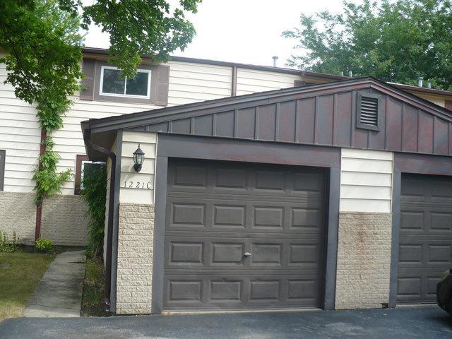 1221 Cedarwood Drive C, Crest Hill, IL 60403 (MLS #10049188) :: The Spaniak Team