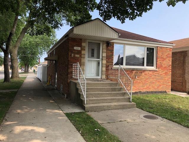 5201 S Newcastle Avenue, Chicago, IL 60638 (MLS #10049431) :: Littlefield Group