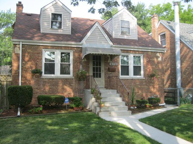 18018 Oakwood Avenue, Lansing, IL 60438 (MLS #10049812) :: Littlefield Group