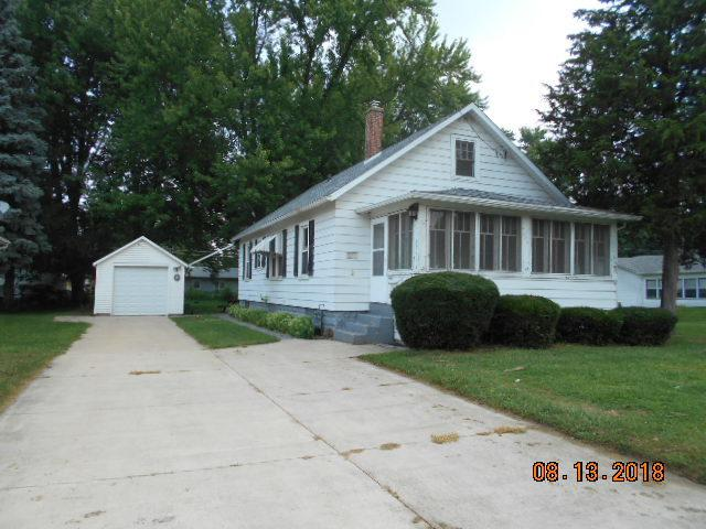 704 W 8th Street, Sterling, IL 61081 (MLS #10050283) :: The Jacobs Group