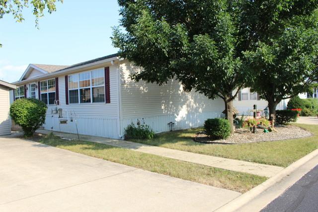 1016 Woodlawn Drive, Manteno, IL 60950 (MLS #10051853) :: The Mattz Mega Group