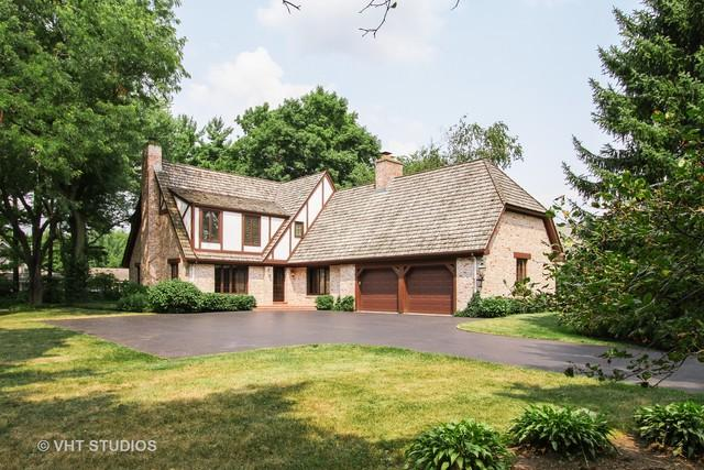 670 Country Club Road, Crystal Lake, IL 60014 (MLS #10052988) :: Lewke Partners