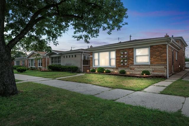 4217 W Devon Avenue, Chicago, IL 60646 (MLS #10052992) :: Domain Realty