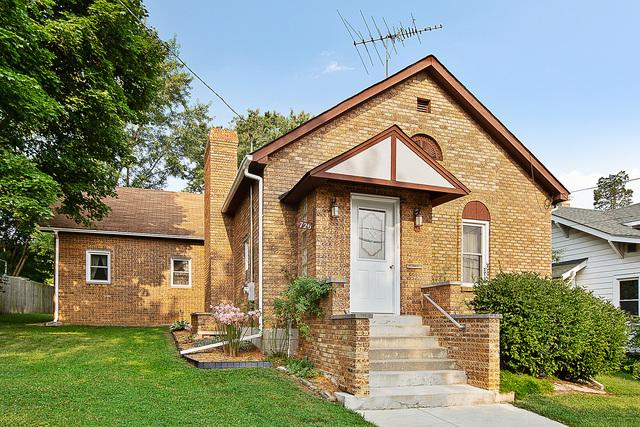 726 Walnut Street, Lemont, IL 60439 (MLS #10053087) :: The Wexler Group at Keller Williams Preferred Realty