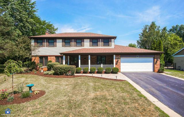 2714 Maple Avenue, Northbrook, IL 60062 (MLS #10053603) :: The Jacobs Group