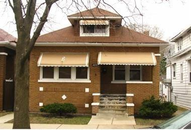 1632 N Latrobe Avenue, Chicago, IL 60639 (MLS #10054033) :: The Spaniak Team
