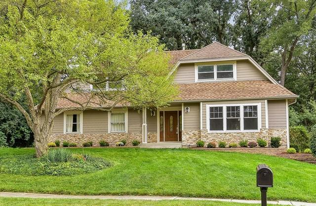25W731 Red Maple Lane, Wheaton, IL 60189 (MLS #10054229) :: The Wexler Group at Keller Williams Preferred Realty