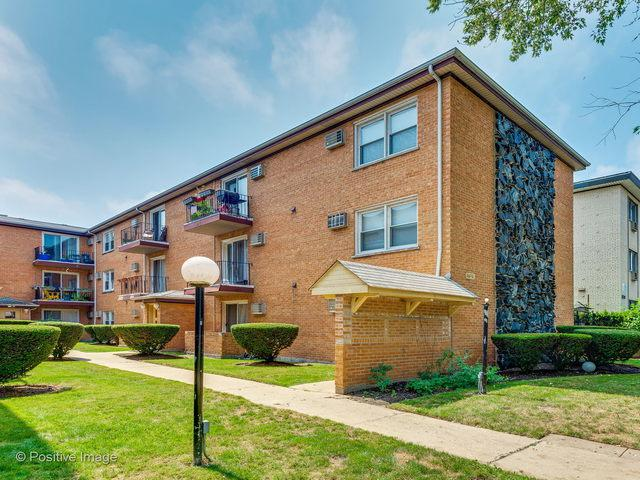1727 W Touhy Avenue #1, Chicago, IL 60626 (MLS #10054404) :: Littlefield Group