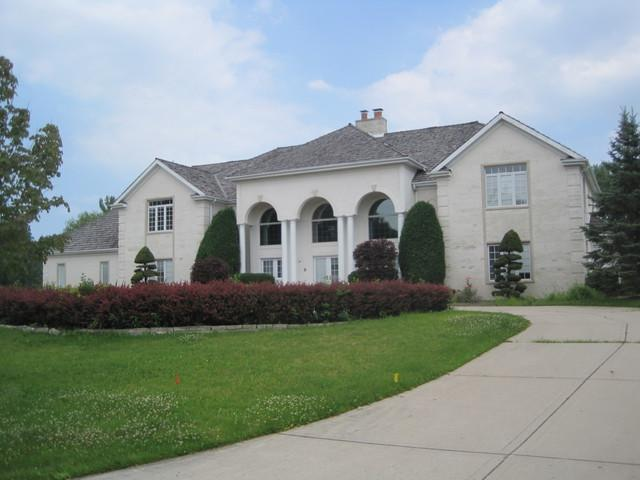 9 Farmington Road, South Barrington, IL 60010 (MLS #10054416) :: Littlefield Group