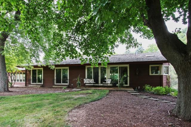 52 E Surrey Lane, Barrington Hills, IL 60010 (MLS #10054436) :: Domain Realty