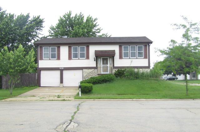 1918 Towner Lane, Glendale Heights, IL 60139 (MLS #10054547) :: The Jacobs Group