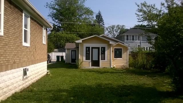 128 W Burlington Avenue, Westmont, IL 60559 (MLS #10054592) :: Littlefield Group