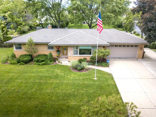 1104 N Maple Lane, Prospect Heights, IL 60070 (MLS #10054620) :: The Spaniak Team