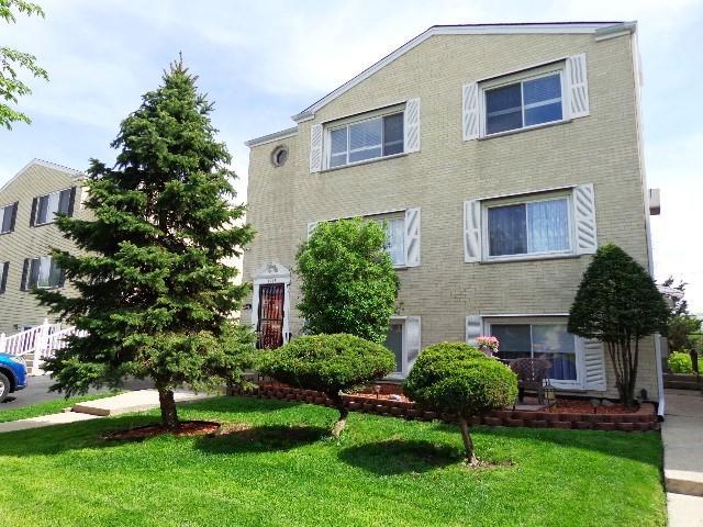 8447 W Oak Avenue, Niles, IL 60714 (MLS #10054650) :: The Jacobs Group