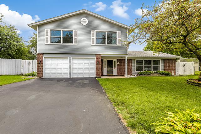 7791 Sherwood Circle S, Hanover Park, IL 60133 (MLS #10054988) :: The Jacobs Group