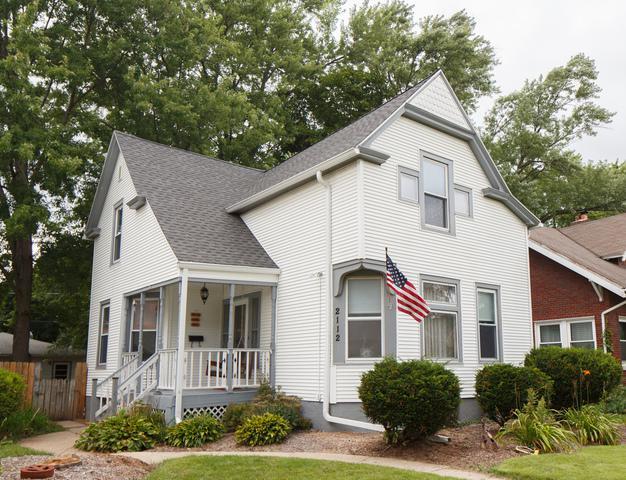 2112 Oxford Street, Rockford, IL 61103 (MLS #10055290) :: Domain Realty