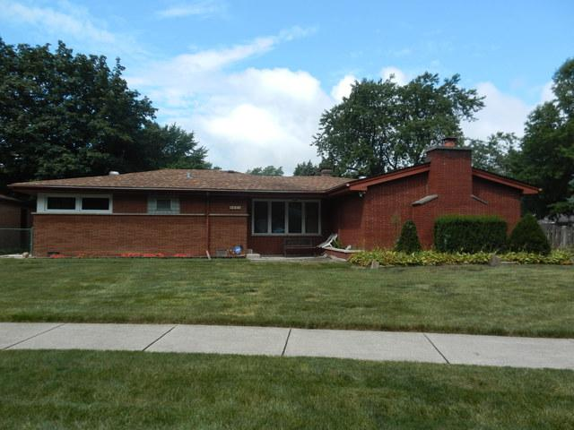 6601 W 88th Place, Oak Lawn, IL 60453 (MLS #10055370) :: The Wexler Group at Keller Williams Preferred Realty