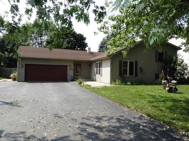 338 Hawthorne Avenue, Gurnee, IL 60031 (MLS #10055374) :: Littlefield Group