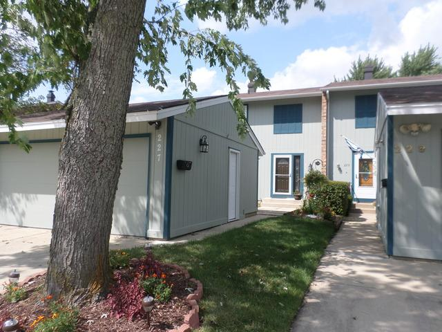 227 Oakwood Lane, Bloomingdale, IL 60108 (MLS #10055588) :: Domain Realty