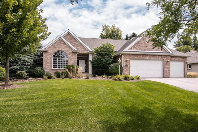637 Roxbury Road, Rockford, IL 61107 (MLS #10055684) :: Domain Realty