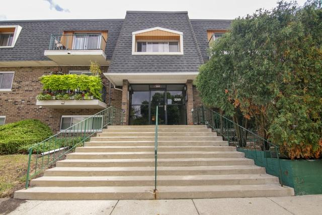 3219 W Parkway Drive 1E, Northbrook, IL 60062 (MLS #10055739) :: The Jacobs Group