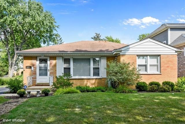 1233 N Walnut Avenue, Arlington Heights, IL 60004 (MLS #10057517) :: The Schwabe Group