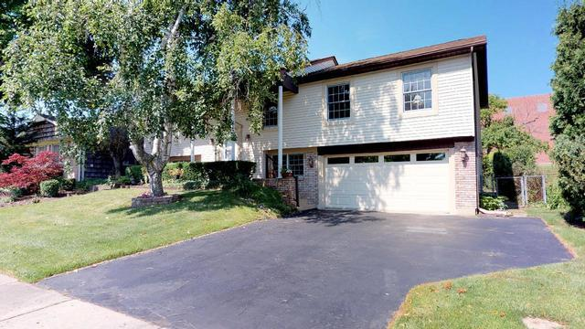 220 Stonegate Road, Buffalo Grove, IL 60089 (MLS #10057556) :: The Schwabe Group