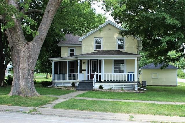 120 Maple Avenue, Morrison, IL 61270 (MLS #10058301) :: The Saladino Sells Team