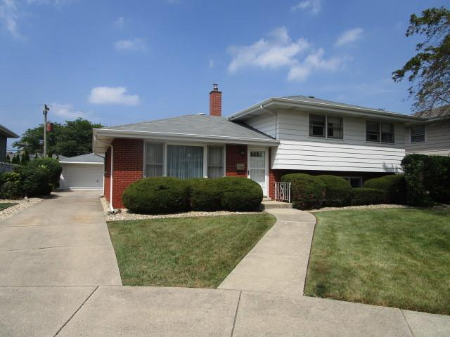 738 E 167th Place, South Holland, IL 60473 (MLS #10058404) :: The Jacobs Group