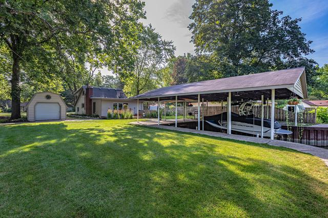 9413 Byrne Drive, Fox River Grove, IL 60021 (MLS #10062017) :: The Jacobs Group