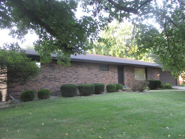 217 Eldorado Drive, Tuscola, IL 61953 (MLS #10063536) :: Ryan Dallas Real Estate