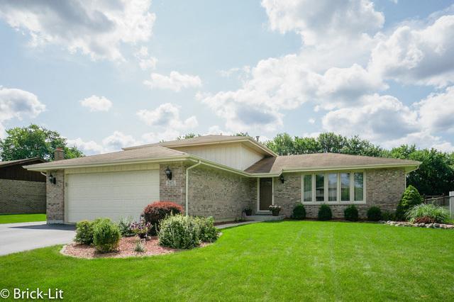 7415 W Arran Drive, Frankfort, IL 60423 (MLS #10063765) :: Leigh Marcus | @properties