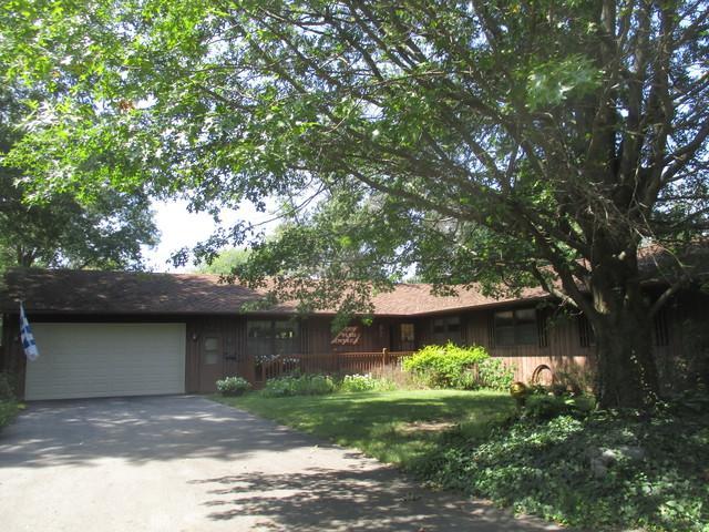 520 Richman Street, VILLA GROVE, IL 61956 (MLS #10064326) :: Ryan Dallas Real Estate