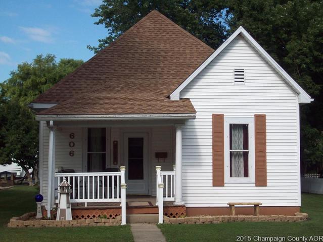 606 N Center Street, Tuscola, IL 61953 (MLS #10064683) :: Ryan Dallas Real Estate