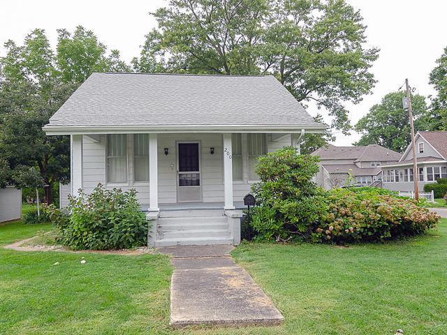 200 S Embarras Avenue, Tuscola, IL 61953 (MLS #10065354) :: Ryan Dallas Real Estate