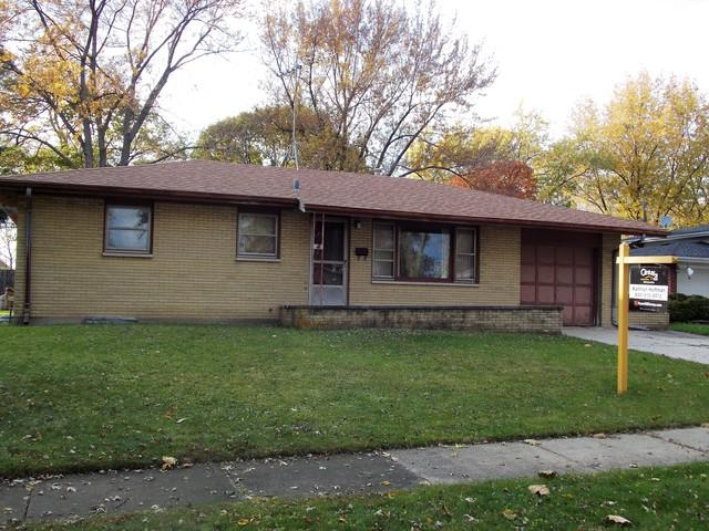 1313 Crown Street, Montgomery, IL 60538 (MLS #10066351) :: Domain Realty
