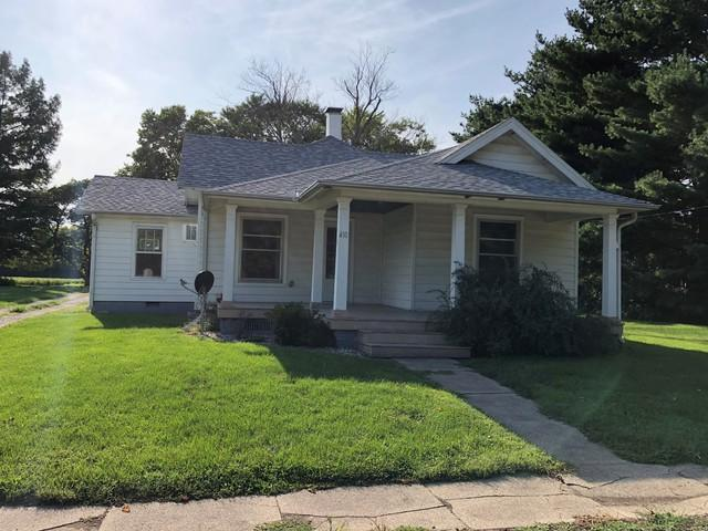 410 S Hopkins Street, NEWMAN, IL 61942 (MLS #10068772) :: Berkshire Hathaway HomeServices Snyder Real Estate